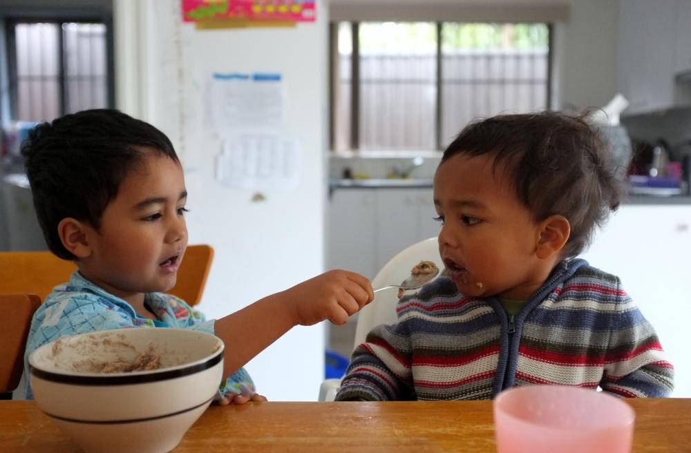 J feeding I2