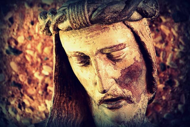 Jesus statue lent