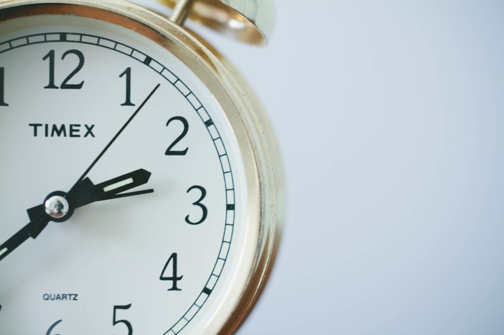 clock upslash